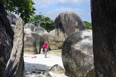 indonesien belitung tanjung tinggi beach granitfelsen