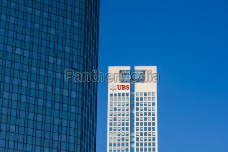 bank kreditinstitut geldinstitut blau turm modern