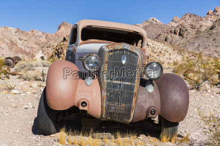 usa nevada vintage car wreck in