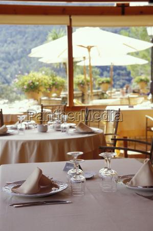 restaurant stilleben glas becher trinkgefaess kelch
