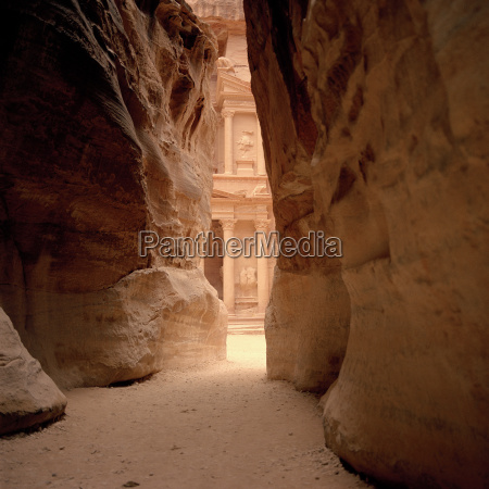 jordan petra rock formation temple in