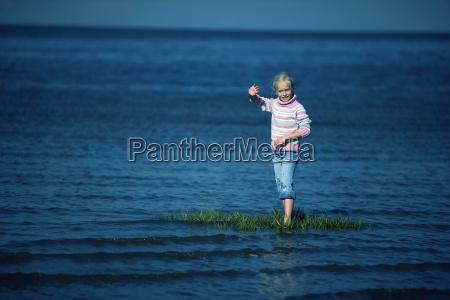 deutschland cuxhaven nordsee portraet eines blonden