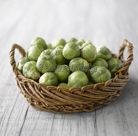 vitamine holz frische korb gemuese roh