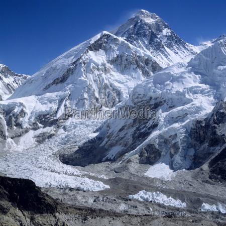nepal solo khumbu mount everest senn