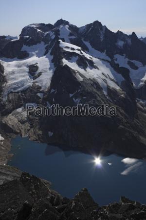 fahrt reisen groenland fjord einoede bergkette