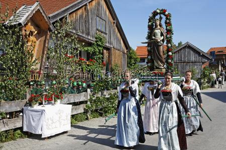 deutschland bayern oberbayern wackersberg frauen mit