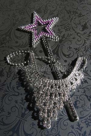 schmuck juwelierwaren pretiosen geschmeide preziosen vorderansicht