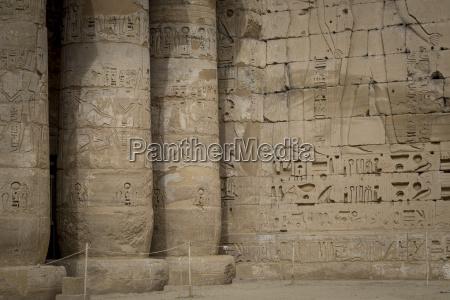 schreiben schreibend schreibt fahrt reisen tempel