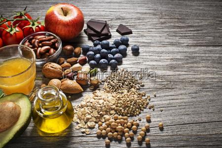 sund mad med grontsager og frugt