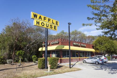 waffle house restaurant in key largo
