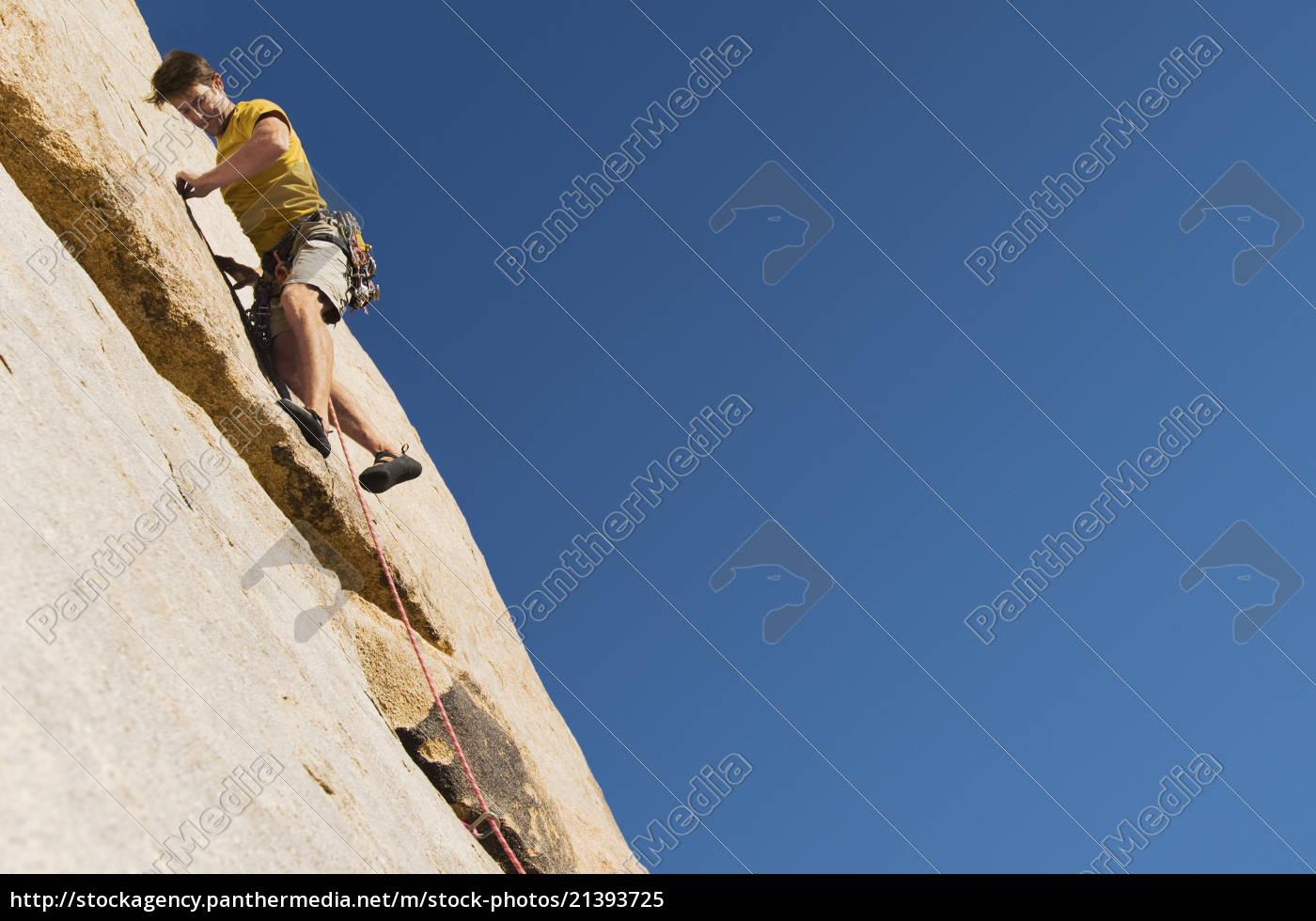 mann, klettert, auf, cliff - 21393725