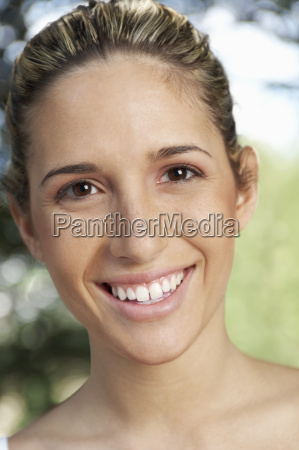 beautiful young woman smiling