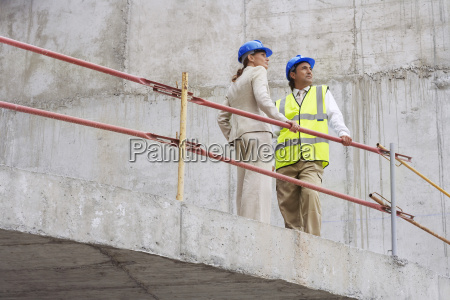 architect and construction manager on site