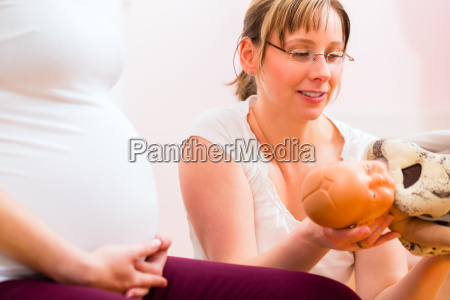 hebamme die praenatale betreuung fuer schwangere
