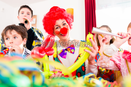 kids birthday party with clown and