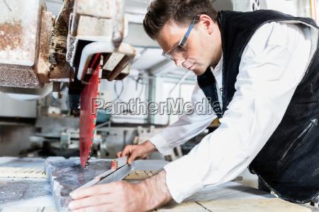 handwerker messsteinplatte zum saegen auf diamantsaege