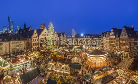 deutschland frankfurt weihnachtsmarkt am roemerberg am