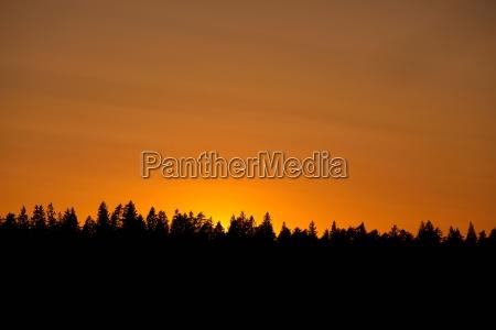 sonnenuntergang wolke sommer sommerlich abendrot bewoelkt