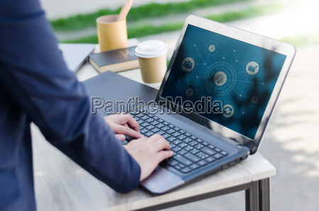 business frau mit computer laptop mit