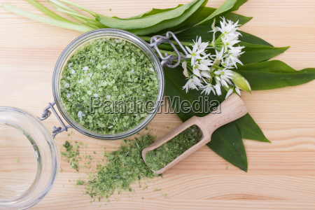 green herbal salt of wild garlic
