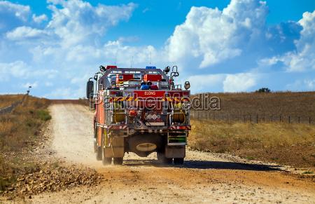 feuerwehrauto im outback bei dubbo new