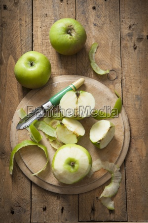 green bramley apples whole and peeled