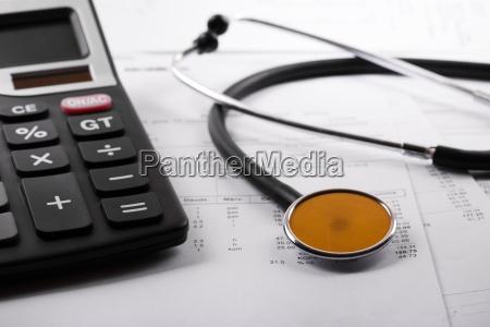 gesundheitskosten und krankenversicherungskonzept