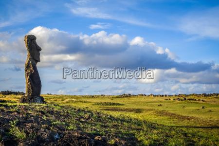 moai statue ahu akapu osterinsel
