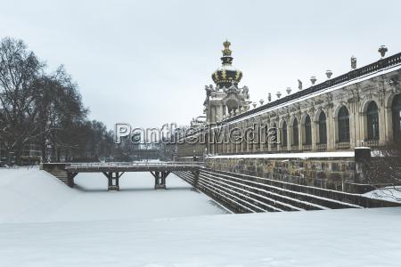 deutschland dresden zwinger palast im winter