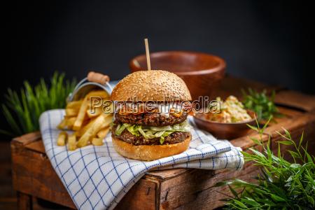 stilleben von hamburger