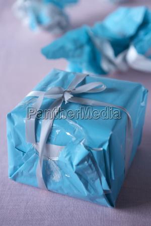 stilleben blau praesentieren detail kultur farbe