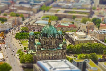 luftaufnahme der museumsinsel in berlin