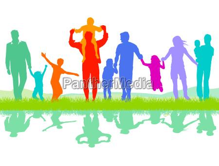 froehliche eltern gruppe mit kinder