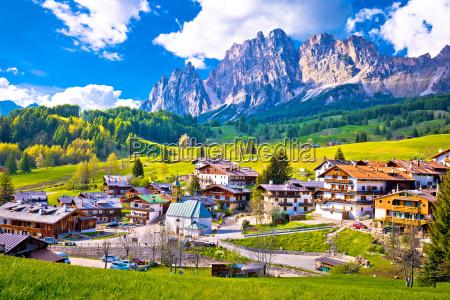 alpenlandschaft in cortina d ampezzo