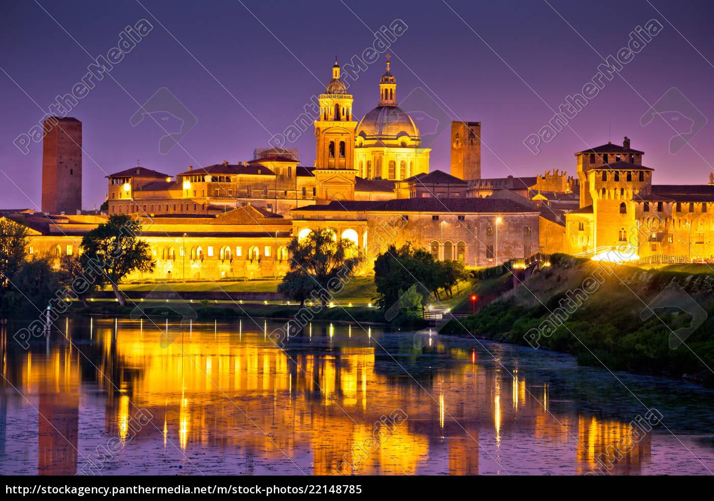 Stadt Mantova Skyline Abendansicht - Lizenzfreies Bild - #22148785