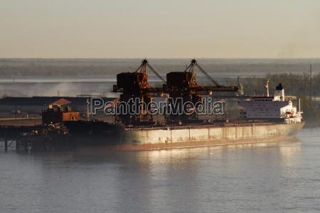 industrie industriell verkehr verkehrswesen schiffe segelboot