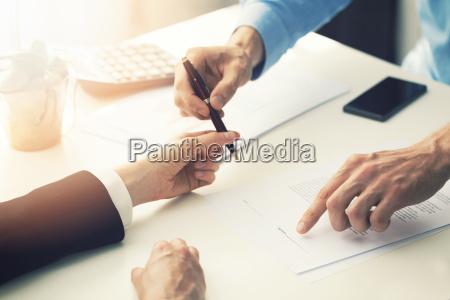 geschäftspartnerschaftsvertragsunterzeichnung - 22191903
