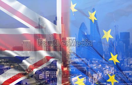 britische flagge eu flagge und finanzgebaeude
