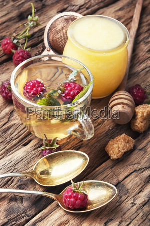 herbal tea with raspberries
