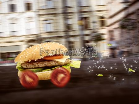 fastfood burger wird schnell ausgeliefert