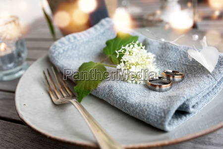 table decoration with wedding rings
