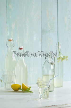 homemade elderflower sirup