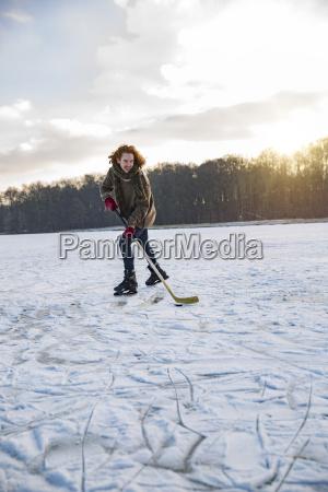 man spielen ice