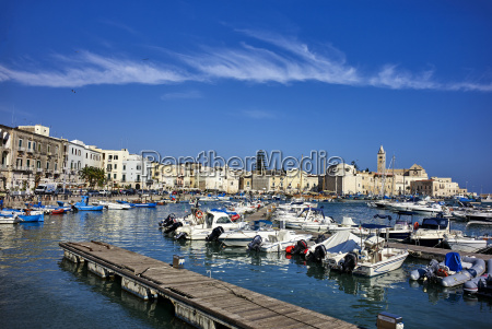 der seehafen von trani apulienitalienmittelmeereuropa