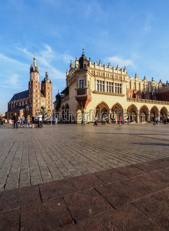 main market square st mary basilica