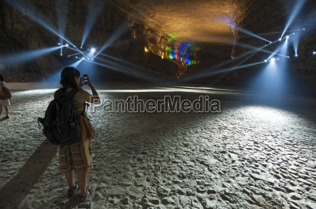 grotta carsica nel parco geo globale