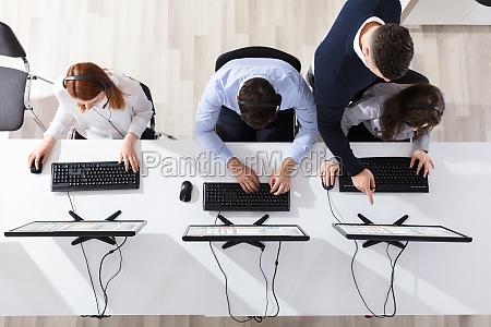 teamleiter der seinem call center betreiber