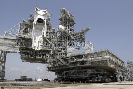 space weltraum horizontal transport transportieren fahrzeug