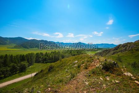 landstrasse in den bergen