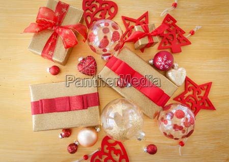 huebsch verpackte geschenke zu weihnachten